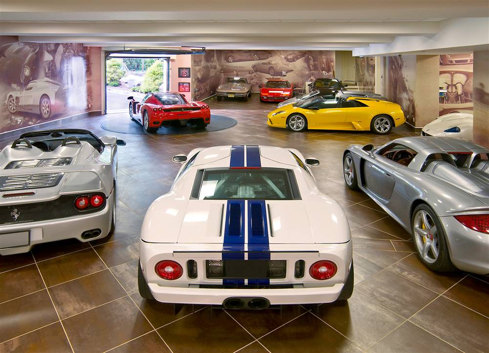 Supercar garage8